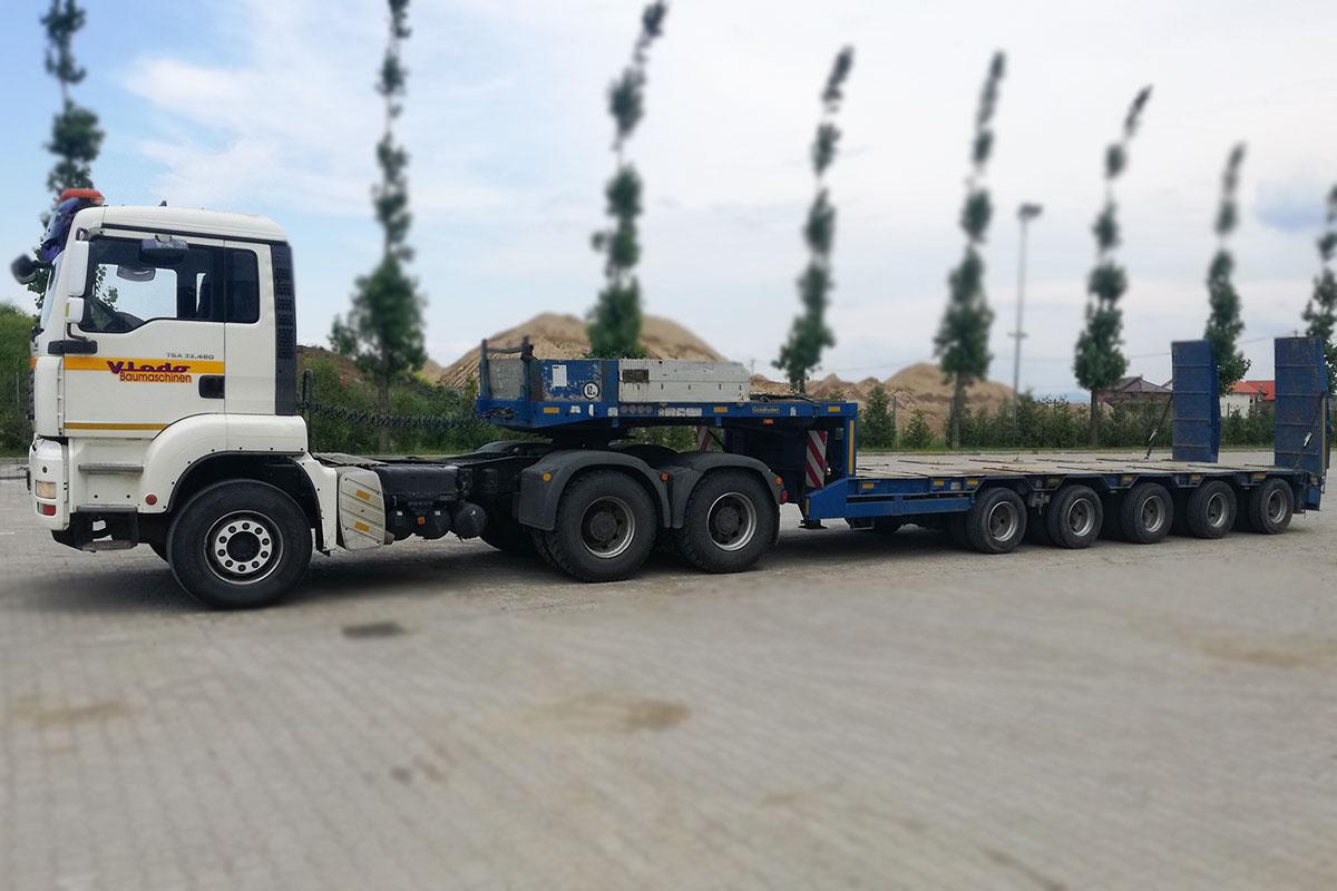kamion sa niskom prikolicom